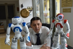 Poza-Interviu-cu-Roboti
